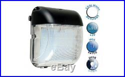 Digiteck 20W IP54 Outdoor Cool White LED Bulkhead Security Light Dawn till Dusk